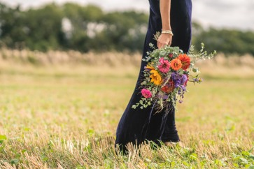 Dramatic flowers for a dark gown